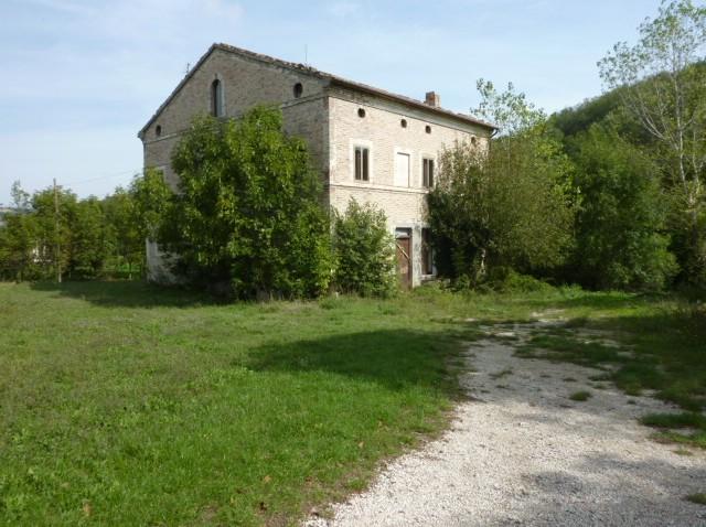 156 – Azienda Agricola 13 Ettari