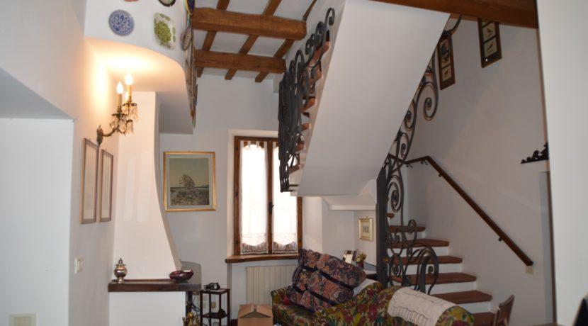 219_04 Abit centro storico Sarnano