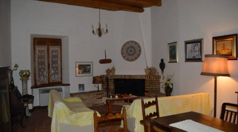 219_29 Abit centro storico Sarnano