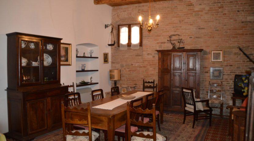 219_31 Abit centro storico Sarnano