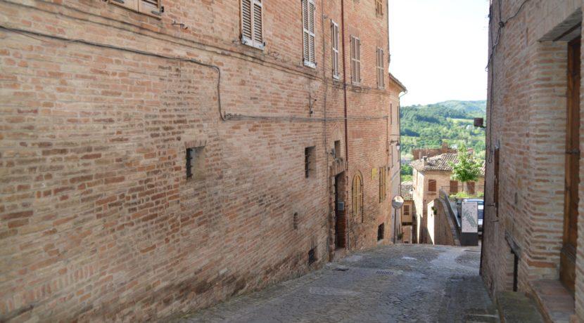 219_37 Abit centro storico Sarnano