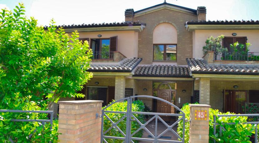 220_01 Abitazione Centro Sarnano