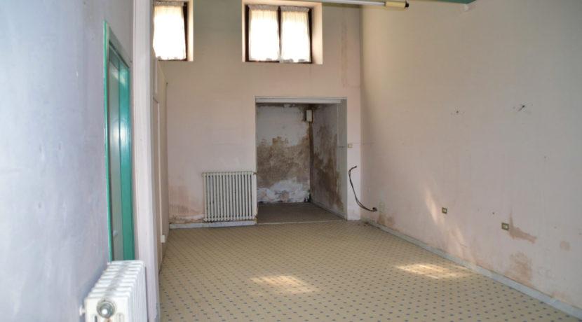 217_05 Negozio_Sarnano