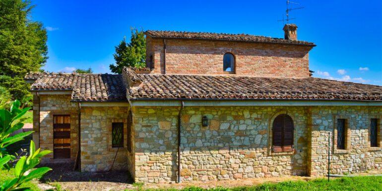 153_18_Villa_Sarnano