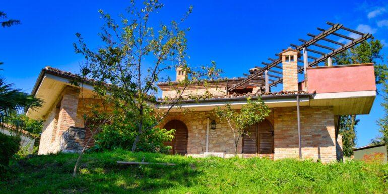 153_19_Villa_Sarnano